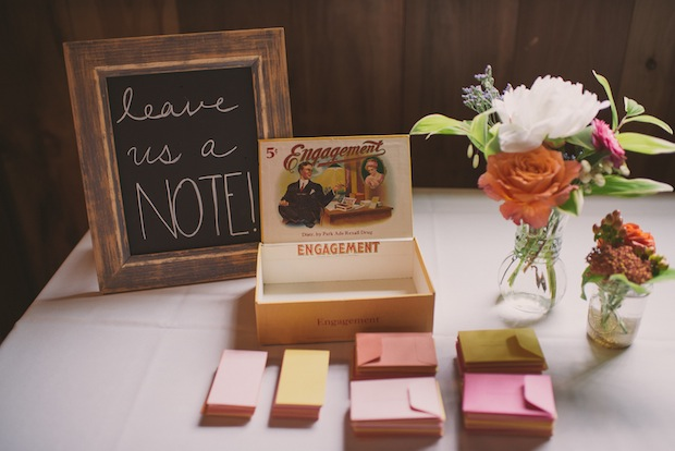 Alternative guest book idea / Love + Perry Photography
