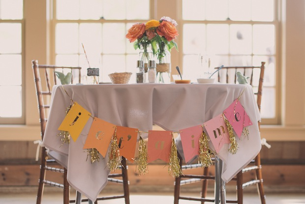 "Sweetheart table with ""Je T'aime"" banner / Love + Perry Photography"